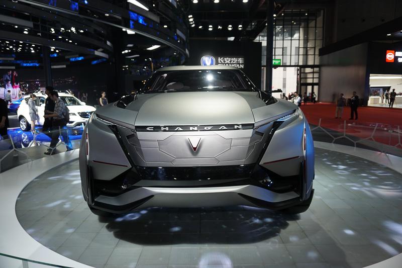 CHANGAN(長安汽車)のコンセプトカー。火山をイメージしたというSUV