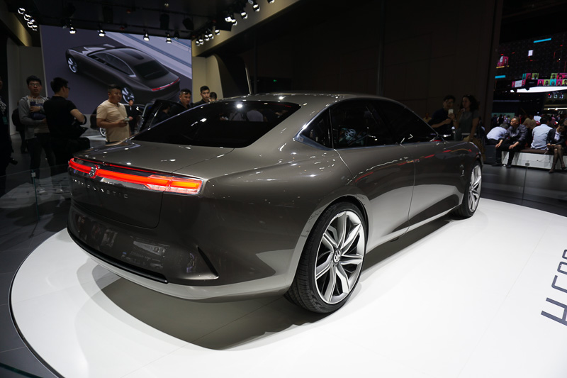 Hybrid Kinetic Groupとピニンファリーナによる高級セダンのコンセプトカー「H600」