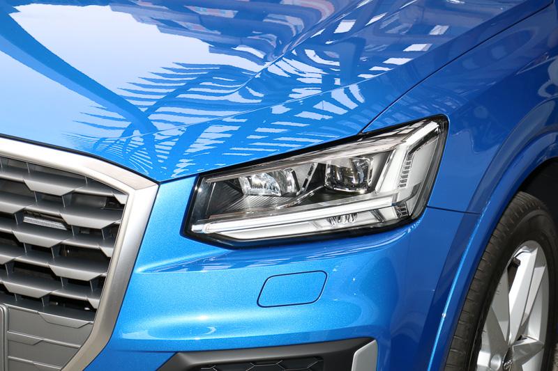 ヘッドライトには、1.0 TFSI sportと1.4 TFSI cylinder on demandでLEDヘッドライト(写真)、1.0 TFSIでハロゲンヘッドライトを採用。1.0 TFSIでLEDヘッドライトをオプション装着することも可能