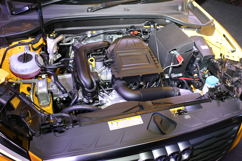 直列3気筒DOHC 1.0リッターターボは最高出力85kW(116PS)/5000-5500rpm、最大トルク200Nm(20.4kgm)/2000-3500rpmを発生