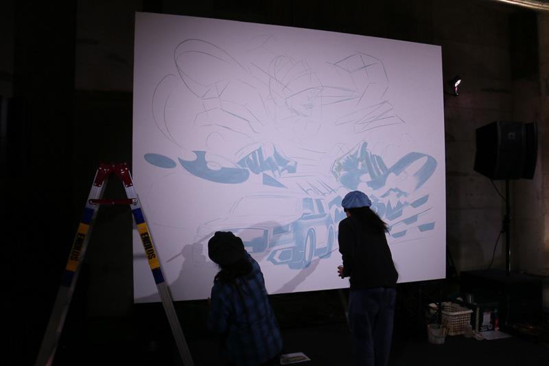 発表会冒頭でのダンスショーのほか、会場では新しいQ2をイメージしたアートスタイルの製作も実施された