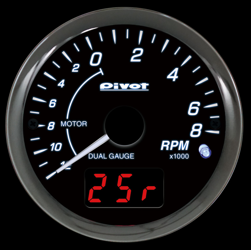 トヨタ自動車のハイブリッド車対応の「DPT-HT」は、専用通信によりモーターとエンジンの回転数をアナログで表示し、「水温」「電圧」「モーター回転数」のいずれかをデジタルで表示する