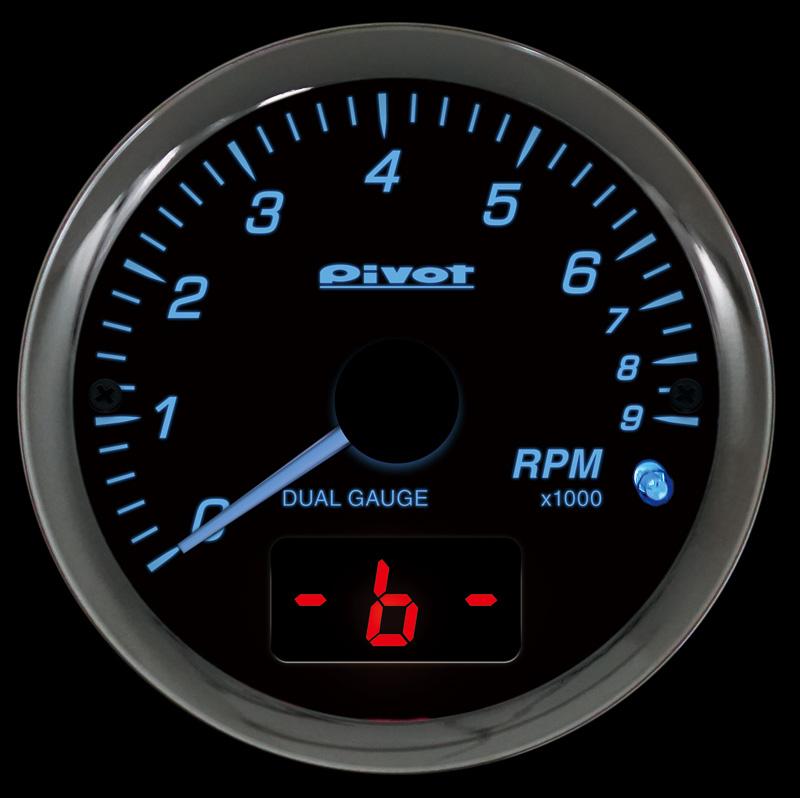 日産の「e-POWER」対応の「DPT-N」は、エンジン回転数をアナログで表示し、「水温」「電圧」「ブレーキモニター」のいずれかをデジタルで表示。別売の温度センサー(DTS、税別3800円)を追加することで、デジタルメーターに油温も表示可能