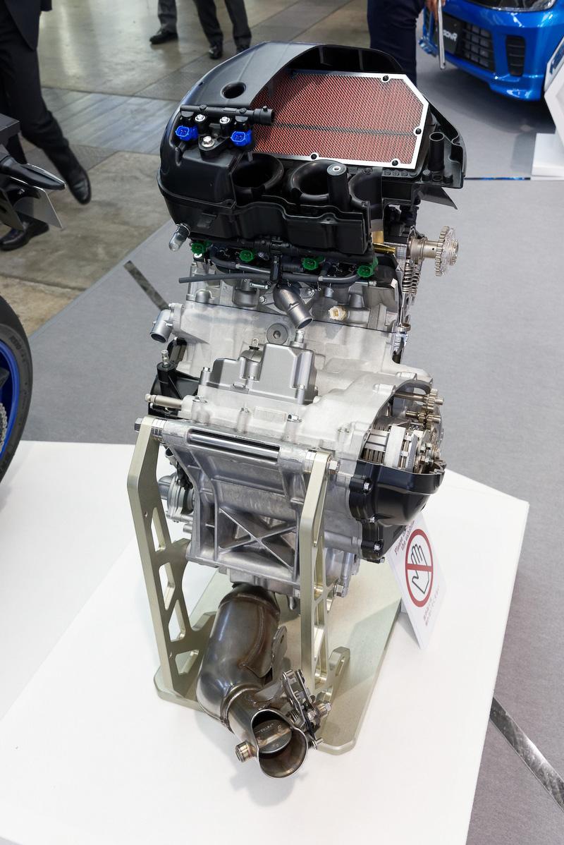 新型エンジンのカットモデル
