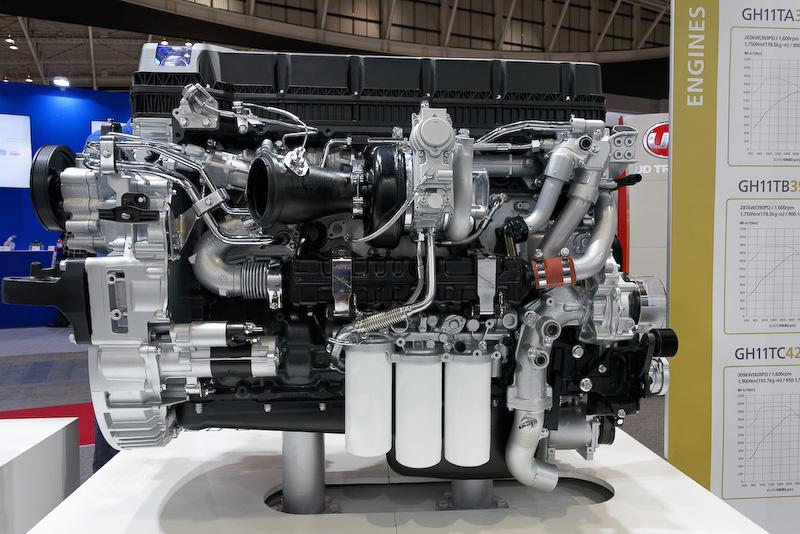 巨大なトラック用ディーゼルエンジン「GH11」