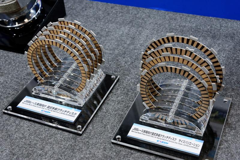 全日本ロードレース選手権のレース車両にも湿式多板クラッチディスクを供給。大排気量の市販車両向けに、こうした高付加価値製品を提供する検討も進めているとのこと