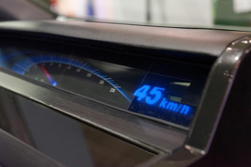メーターパネルの表示やドアに設置するライトにも活用できるという