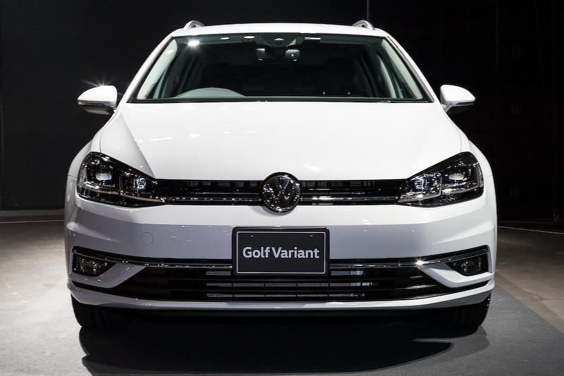 「ゴルフ TSI ハイライン」と共通のパワートレーンを搭載する「ゴルフ ヴァリアント TSI ハイライン」。ボディサイズは4575×1800×1485mm(全長×全幅×全高)。JC08モード燃費は17.3km/L。価格は339万9000円