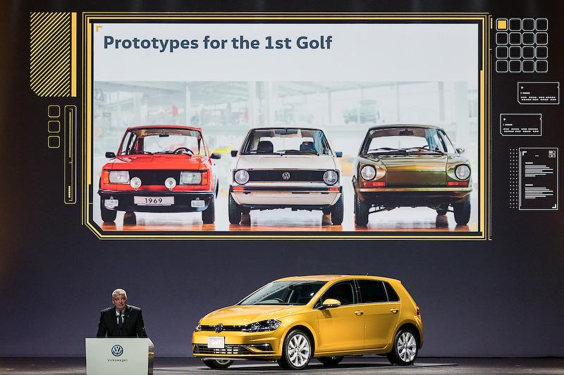 ゴルフの歴史を振り返りながら挨拶を行なったフォルクスワーゲン グループ ジャパン株式会社 代表取締役社長兼最高経営責任者(CEO)ティル・シェア氏
