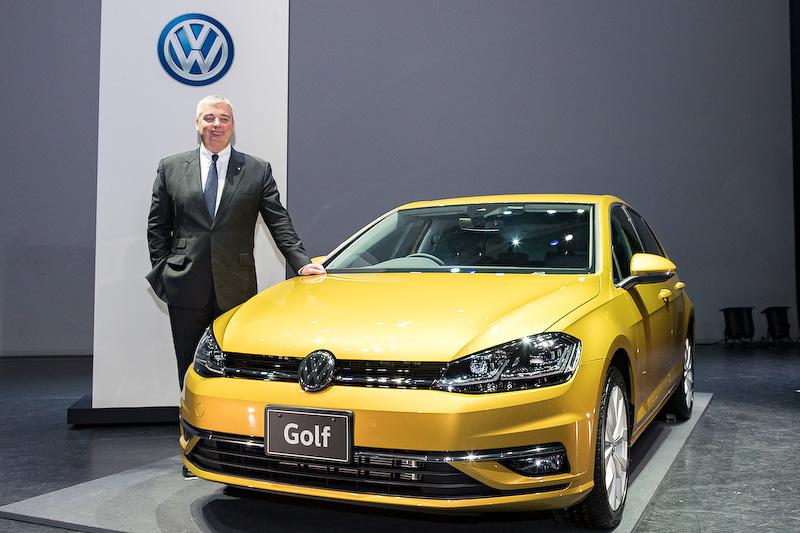 新型ゴルフとフォルクスワーゲン グループ ジャパン株式会社 代表取締役社長兼最高経営責任者(CEO)のティル・シェア氏