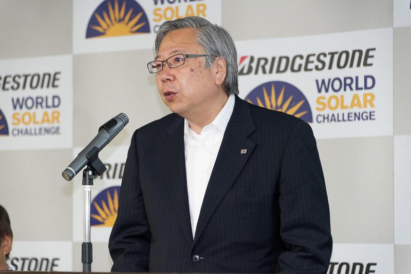 ワールドソーラーチャレンジの概要を説明した株式会社ブリヂストン 執行役員 ブランド戦略担当の鈴木通弘氏