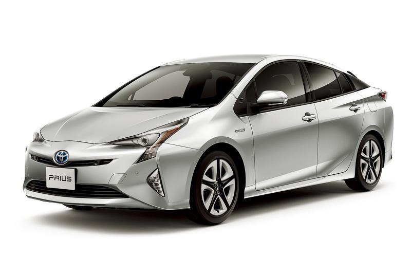 登録車と軽自動車を含めた販売台数ランキングのトップとなったトヨタ自動車「プリウス」