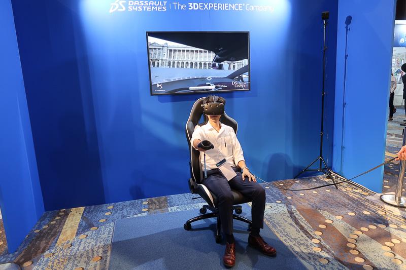 展示会場に用意されたヘッドマウントVRの体験コーナー