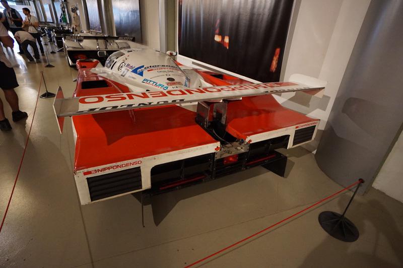 サルト・サーキットの博物館に展示されているトヨタ94C-V、1994年に2位になった車両そのものだ