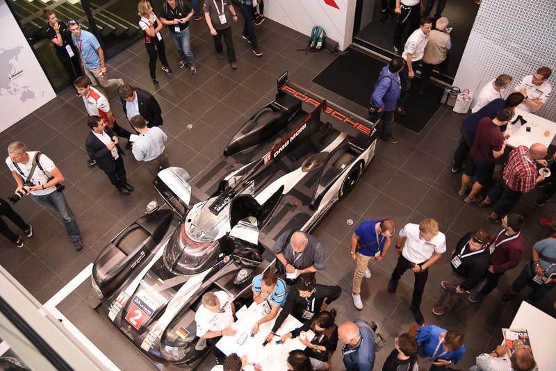 昨年のル・マン24時間レースで優勝した2号車 ポルシェ919 Hybrid