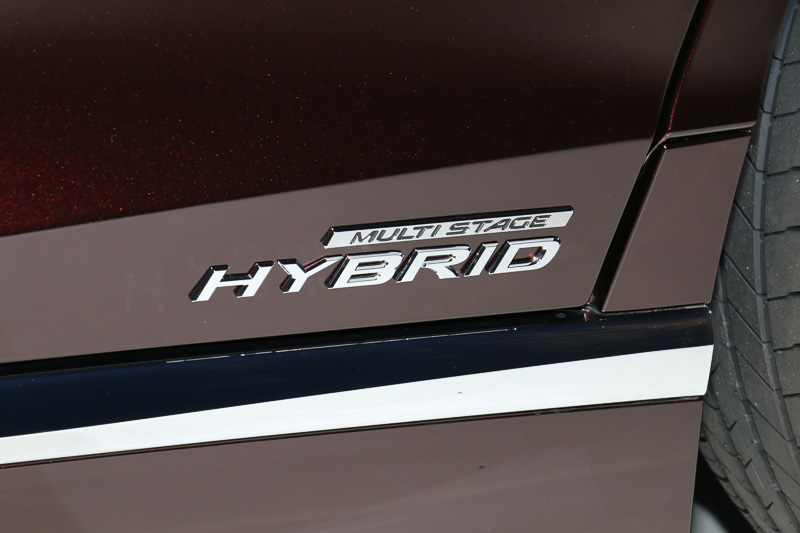 LS500hのマルチステージハイブリッドシステムは220kW/350Nmを発生