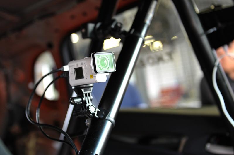 カメラは5つ搭載。これはドライバー目線の前方カメラ。ソニー製アクションカムを使用している