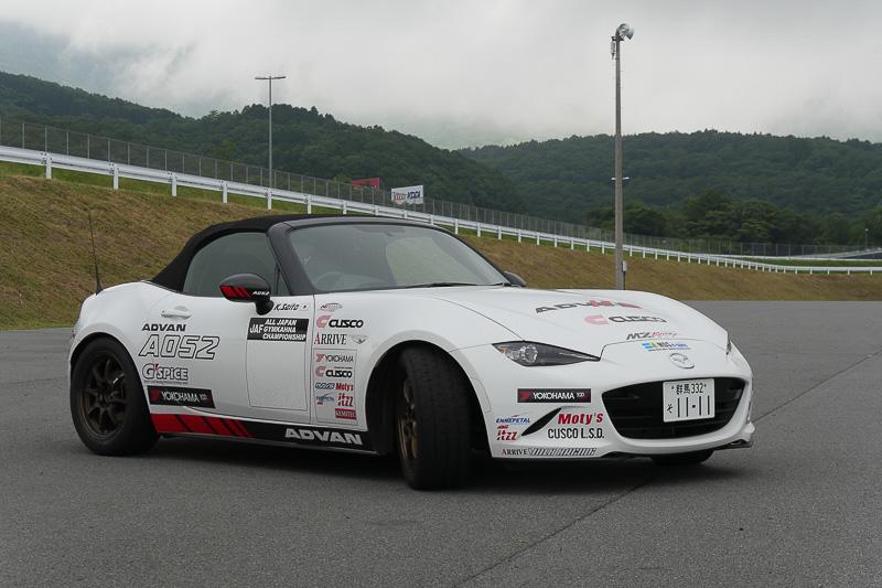 会場には斉藤邦夫選手がジムカーナ参加時に乗っていたロードスターも展示されていた