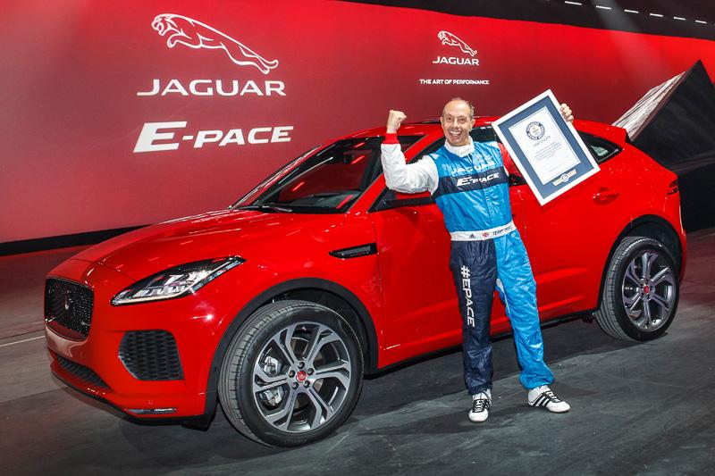 ギネス世界記録を樹立した新型SUV「E-PACE」とテリー・グラント氏