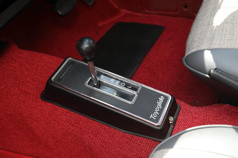 トランスミッションは2段変速の半自動ATである「トヨグライド」