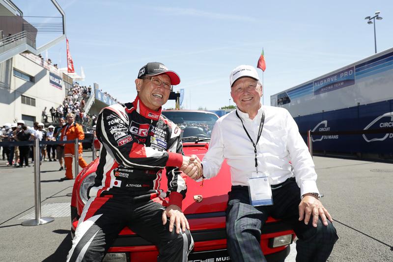 2017年のル・マン24時間耐久レースでDr.ポルシェと再会した豊田章男社長