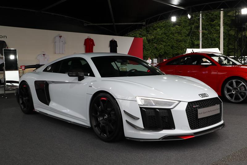 Audi Sport performance partsを装着したR8