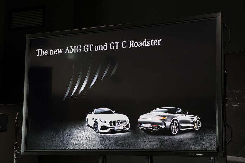 AMG GT ロードスターの最高出力は350kW(476PS)、最大トルクは630Nm。AMG GT C ロードスターの最高出力は410kW(557PS)、最大トルクは680Nmだ