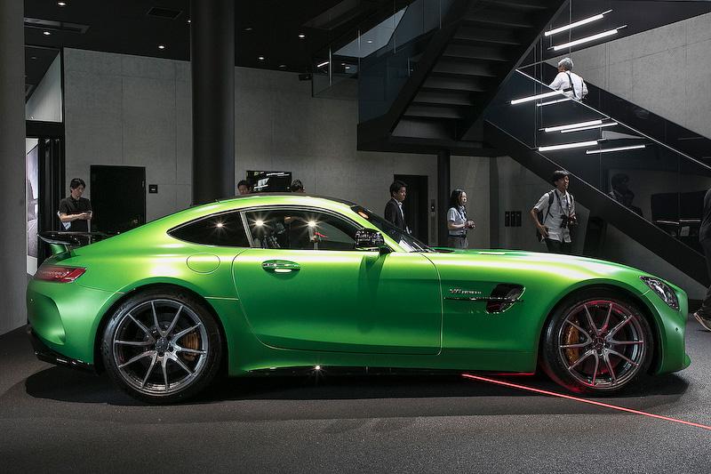 メルセデスAMG GT Rの価格は2300万円
