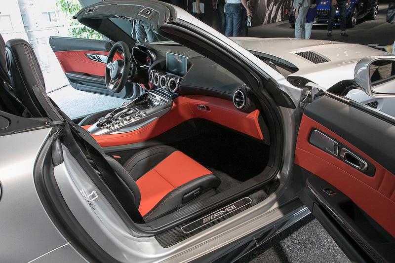 AMG GT C ロードスターのインテリア