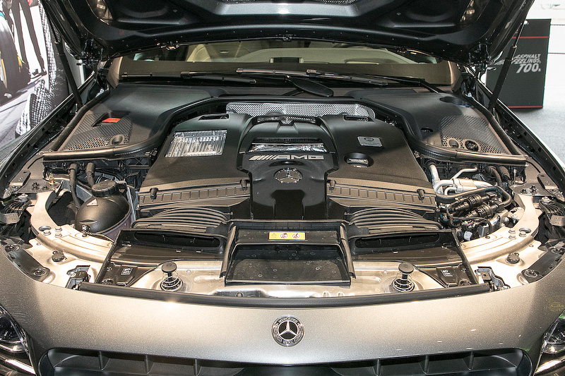 4.0リッターV8直噴ツインターボエンジン。最高出力は450kW(612PS)、最大トルクは850Nmを発生