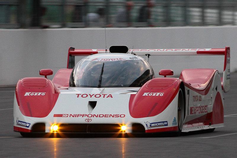関谷氏がドライブするトヨタ「TS010」