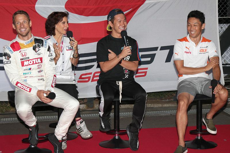 ジェンソン・バトン選手(左)、小林可夢偉選手(中央)、中嶋一貴選手(右)によるトークショー