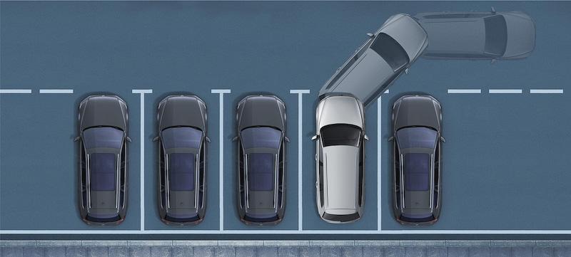 縦列駐車や車庫入れなどの際に、駐車可能スペースの検出とステアリング操作を自動で行なう駐車支援システム「Park Assist」