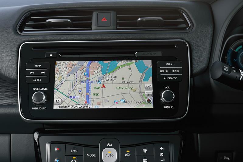 カーナビはAppleの「CarPlay」、Androidの「Android Auto」に対応(日本仕様ではCarPlayのみ対応)