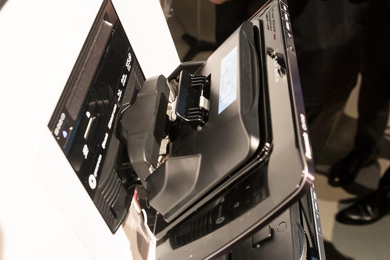 CN-F1XDのフローティング機構