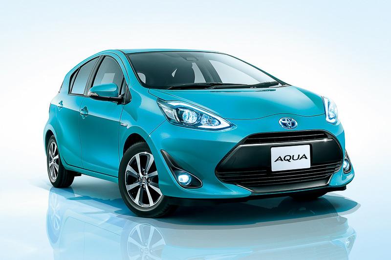 2017年8月の車名別販売台数で、登録車と軽自動車を含めた全体のトップとなったトヨタ自動車「アクア」