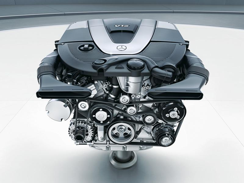 最高出力463kW/630PS、最大トルク1000Nmを発生するV型12気筒 6.0リッターエンジン