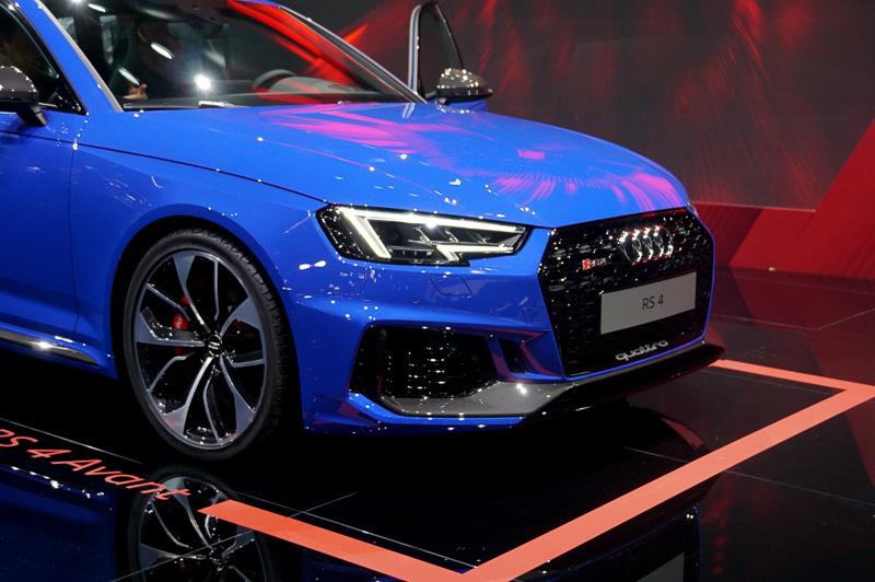 新型RS 4 アバントは、欧州では今秋から注文受付を開始し、ドイツや他のヨーロッパ諸国では2018年初頭から販売。ベースプライスは7万9800ユーロ