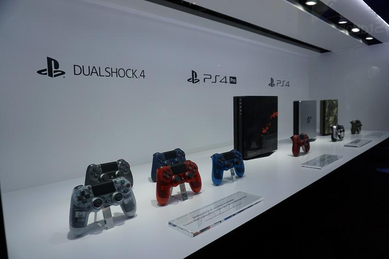 「PlayStation4 グランツーリスモSPORT リミテッドエディション」など限定モデルも展示されていた