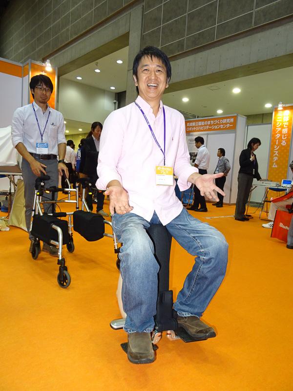車椅子ユーザーでも「UNI-CUB β」
