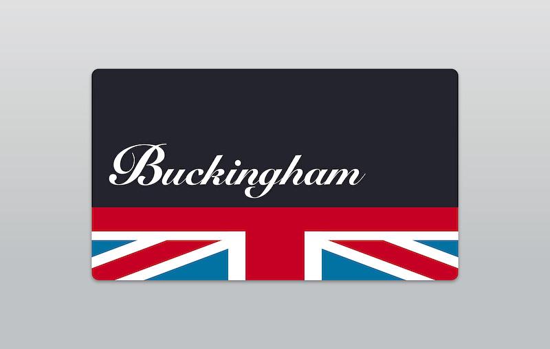 エクステリアでは、LEDヘッドライトや英国旗柄の専用サイドスカットル&リアガラスステッカーなどを特別装備