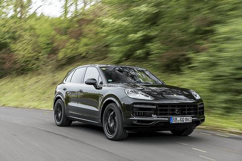 ポルシェ「カイエン」(3代目/ワークショップ) 8月に発表された新型「カイエン」(車両はプロトタイプ)。今回のモデルチェンジで3代目となった
