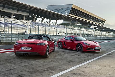 独ポルシェ、「718 ボクスター」「718 ケイマン」に365PS/430Nmの「GTS」を追加 「718 ボクスター GTS」「718 ケイマン GTS」
