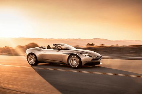 英アストンマーティン、V8エンジン搭載のオープントップモデル「DB11 ヴォランテ」発表 DB11 ヴォランテ