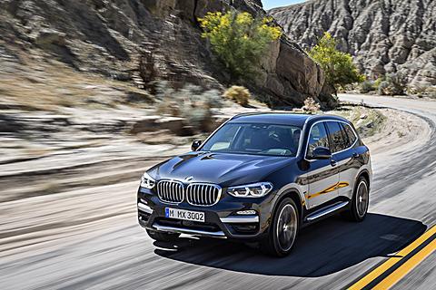 BMW、部分自動運転を可能とした「ドライビング・アシスト・プラス」を搭載する新型「X3」 3代目となる新型「X3」