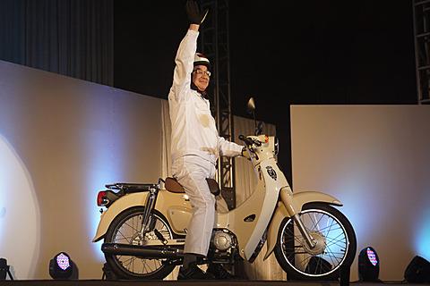 ホンダ、熊本製作所に50ccを集約して新型スーパーカブを日本生産 本田技研工業株式会社 代表取締役社長 八郷隆弘氏
