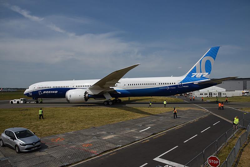 中央翼の生産の主流は787-9型機、787-10型機に移っているという