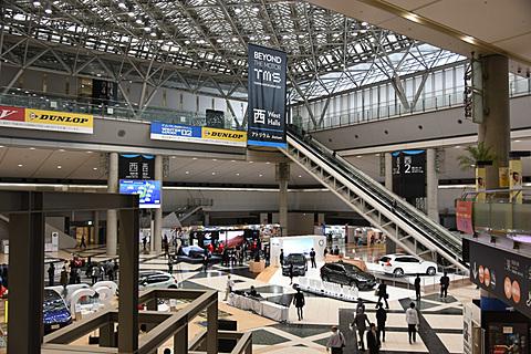 【東京モーターショー2017】ついに開幕、東京モーターショー。プレスカンファレンスを順次開催 開幕したばかりの東京モーターショー。西ホールエントランスの模様