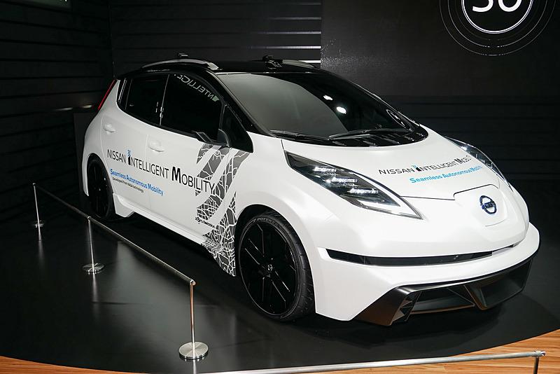 日産のEV「リーフ」をベースに、「ニッサン・インテリジェント・モビリティ」で取り組んでいるソリューションを盛り込んだコンセプトカーを展示