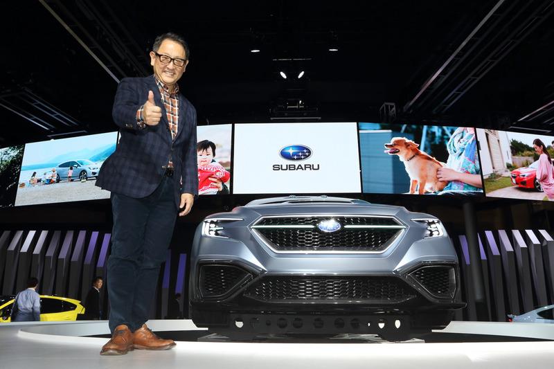 プレスカンファレンスの翌日となる10月26日には、トヨタ自動車 代表取締役社長の豊田章男氏がスバルブースに訪れていた